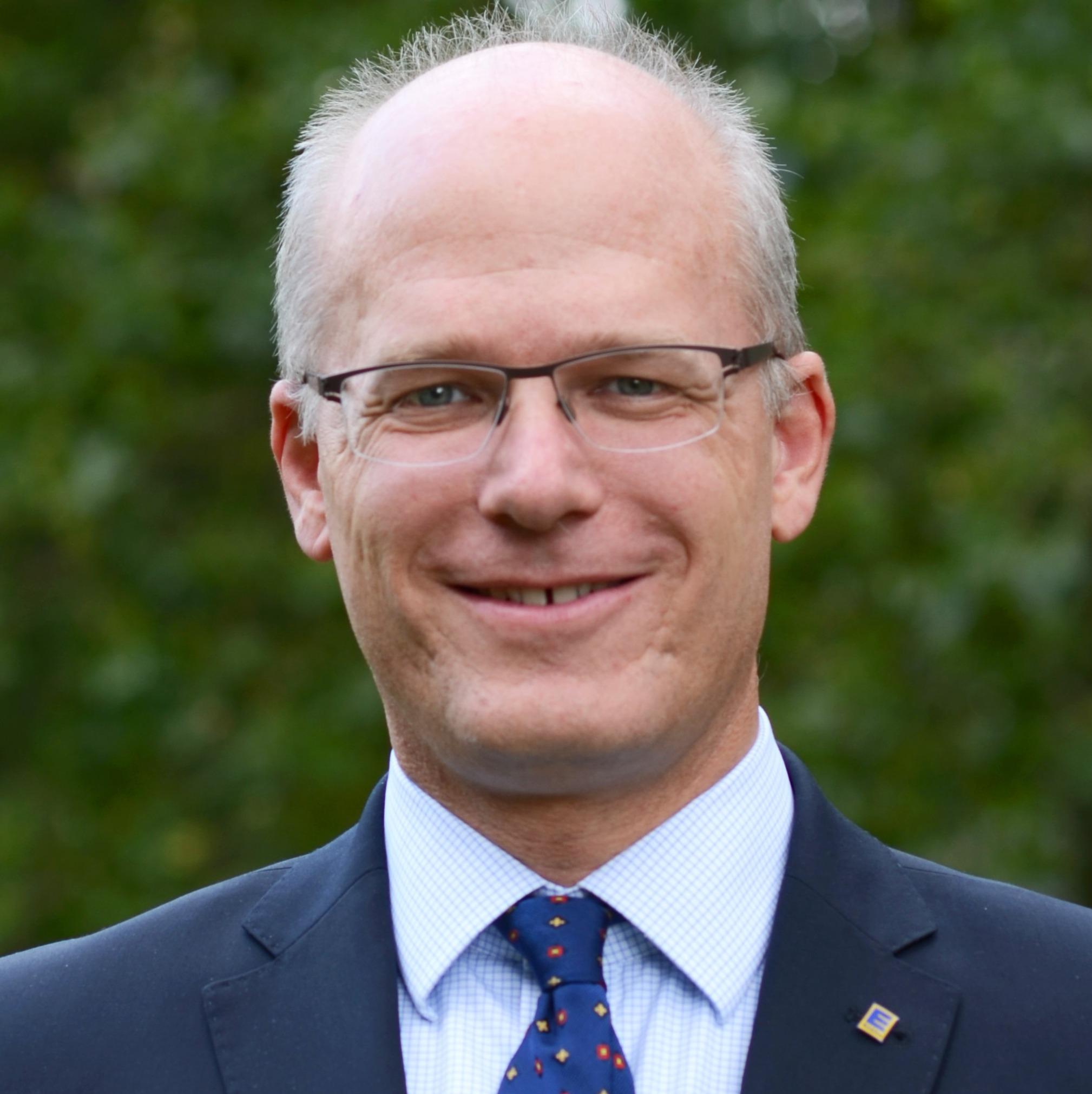 Dr. Hubertus NÖLTING